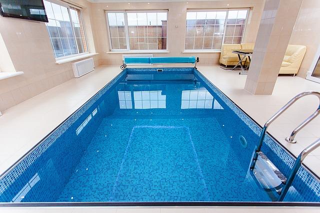 sestup do bazénu