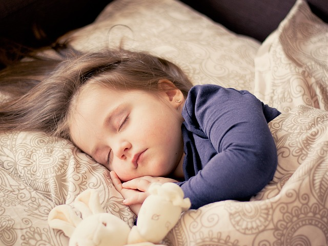 spánek s plyšáčkem