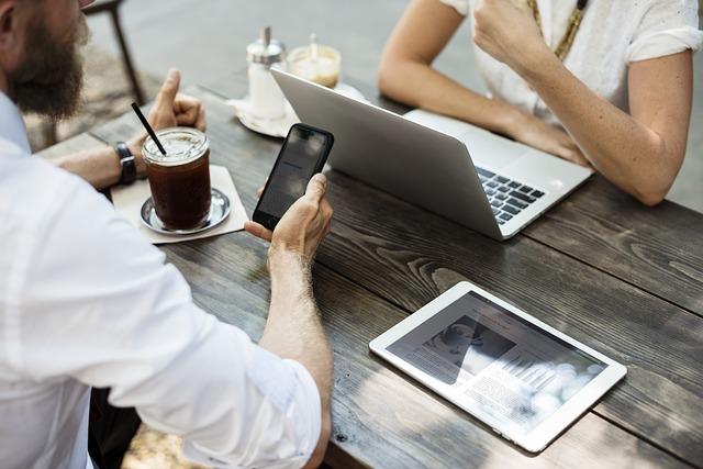 brainstorming u kávy